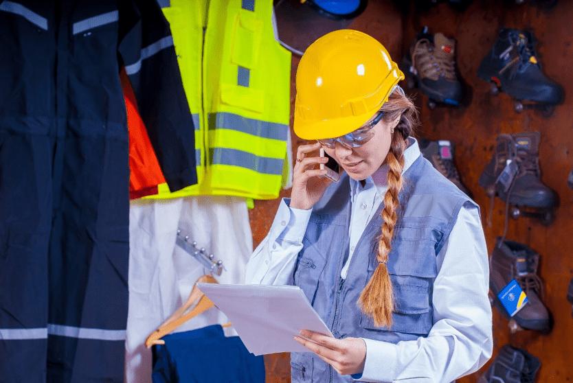 Különbségek az egyéni védőeszköz és a munkaruha között